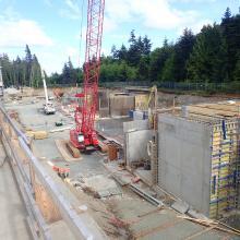 Crane for concrete formwork installation